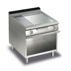 Baron Q70FTV/E825 Queen7 Electric Flat/Ribbed Chrome Griddle Plate On Open Cabinet - 800mm