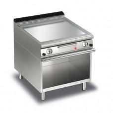 Baron Q70FTTV/G805 Queen7 Gas Flat Chrome Griddle Plate Thermostat Cont. On Open Cabinet - 800mm